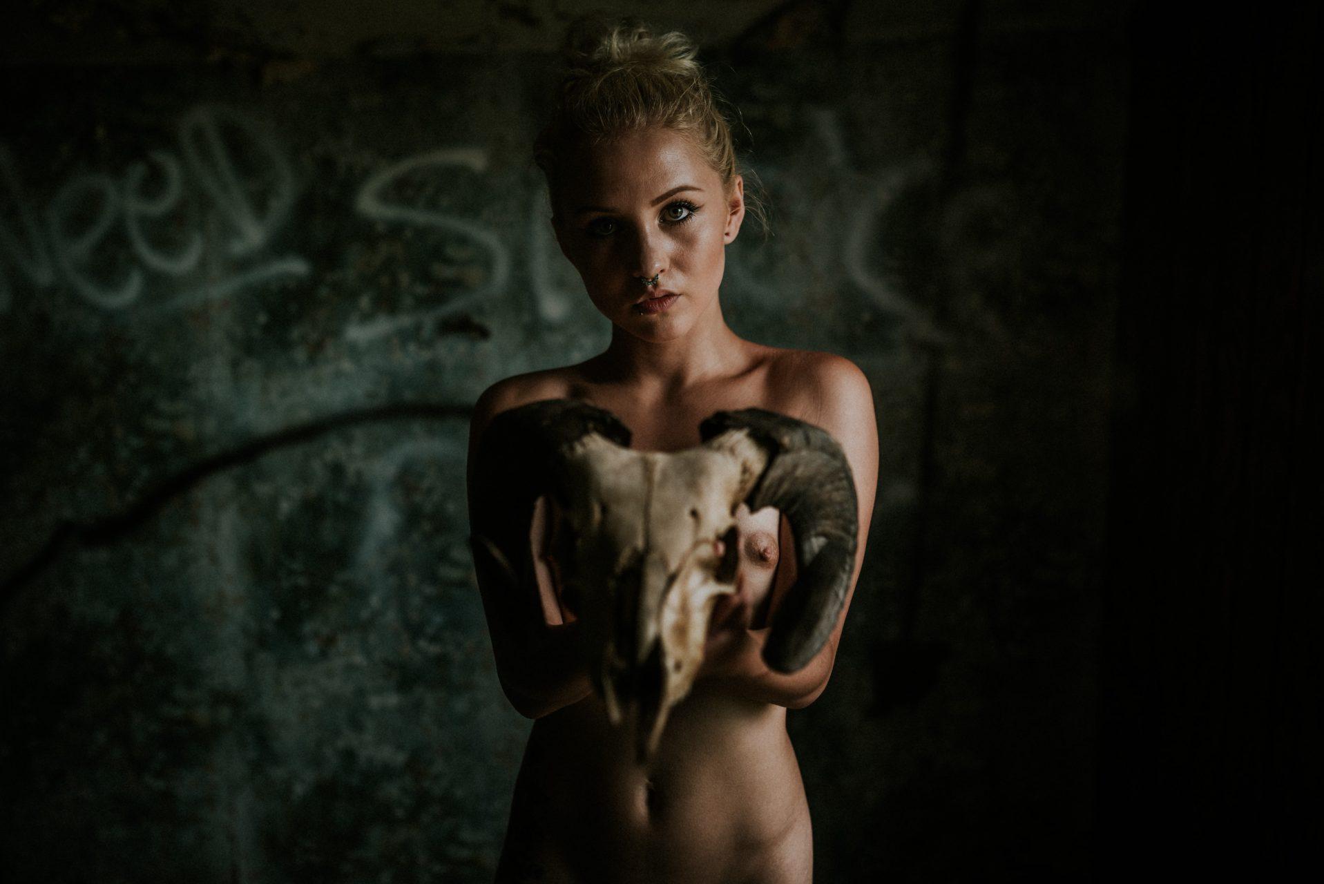 BEthany Skull-0005-2664x1778